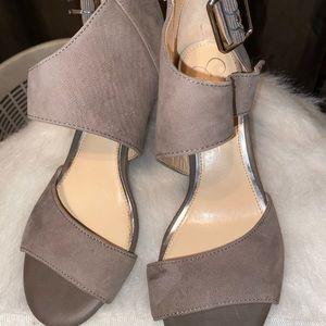 Jessica Simpson  heels suede